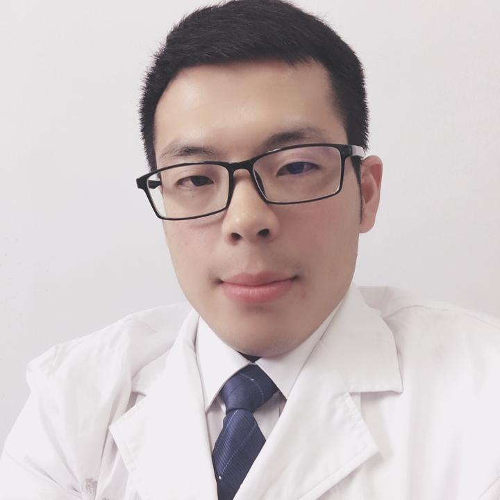 皮肤科医生王世宁