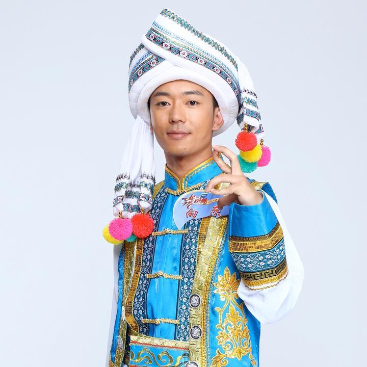 云南民族街舞团-向东